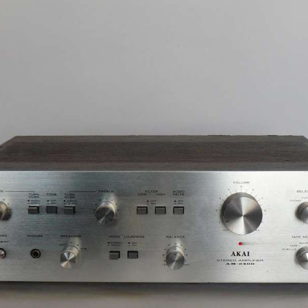 Akai AM-2400
