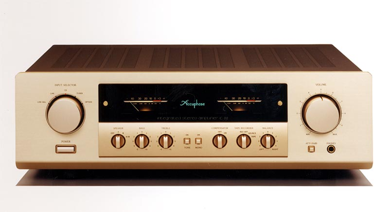 Accuphase E-212 Integrated Amplifiers