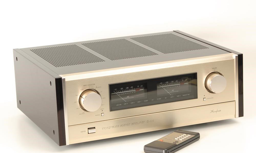 Accuphase E-405