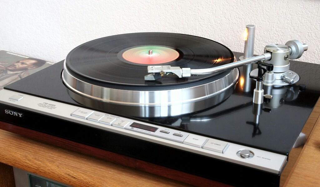 Gira Discos Sony PS X65 Sony-PS-X65-1024x600